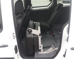 RENAULT KANGOO 1.5 DCI 75 CV TPMR 4 places assises+1 Fauteuil roulant - Décaissement neuf