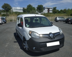 RENAULT KANGOO II TPMR 1.5 L 90 CV 4 places assises + 1 fauteuil roulant
